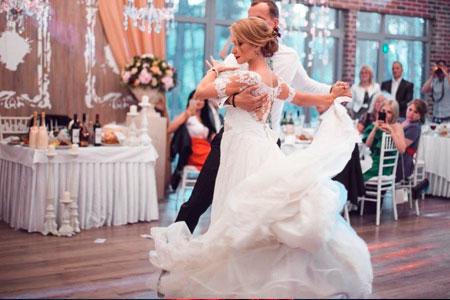 Обучение первому танцу в Кишинёве, в танцевальной студии Эксклюзив. Танец молодожёнов.