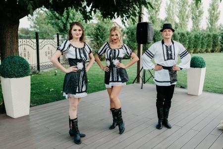 Dansatorii pentru sărbătorile din Moldova se desfășoară acum online