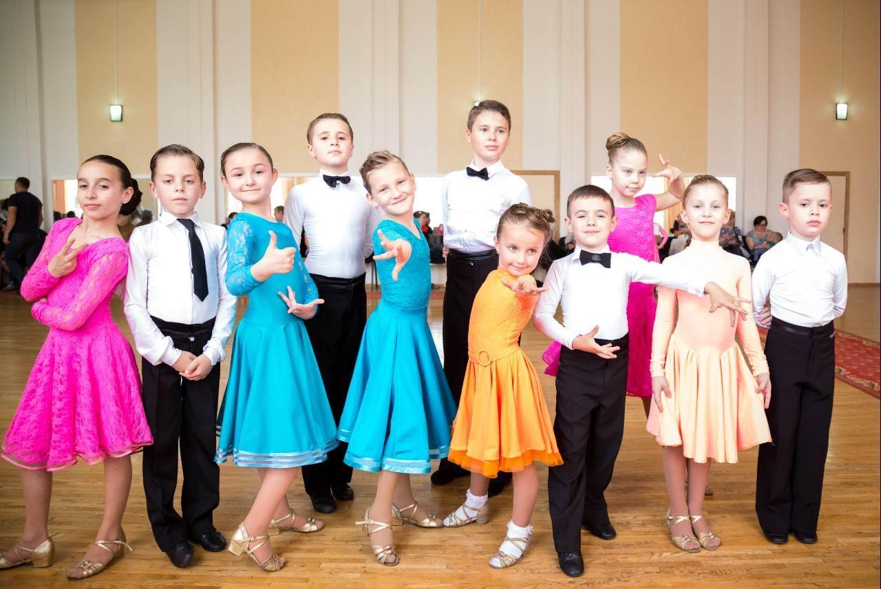 Республиканский конкурс по спортивным бальным танцам в театре «Guguta»